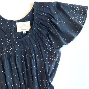 MADISON MARCUS Black 100% Silk Pleated Star Dress